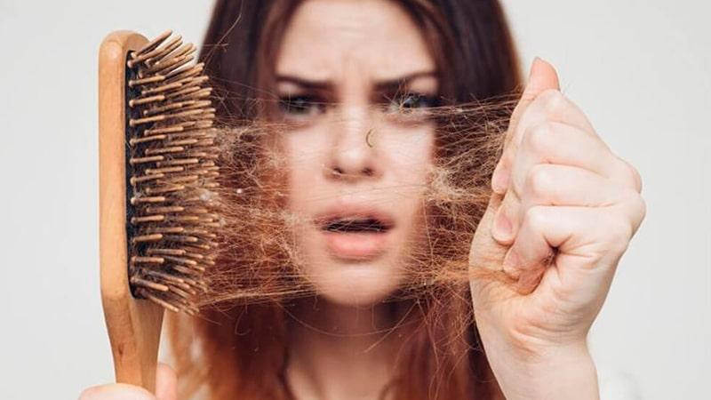 Mujer cae pelo en el embarazo