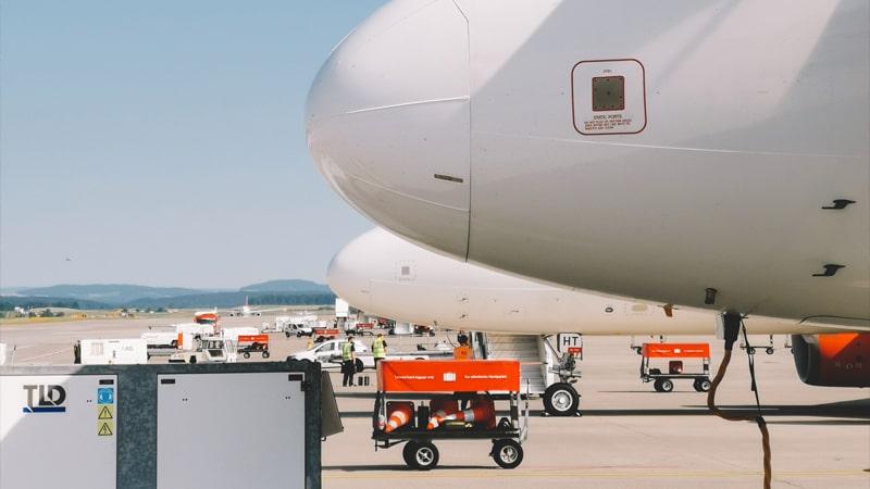 Aviones de Easyjet repostando