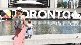Letras de Toronto en Plaza Nathan Phillips